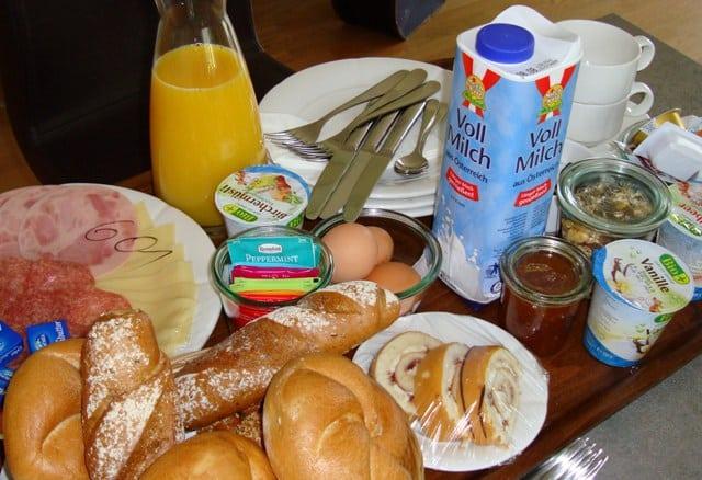 breakfast at apart hotel legendaer