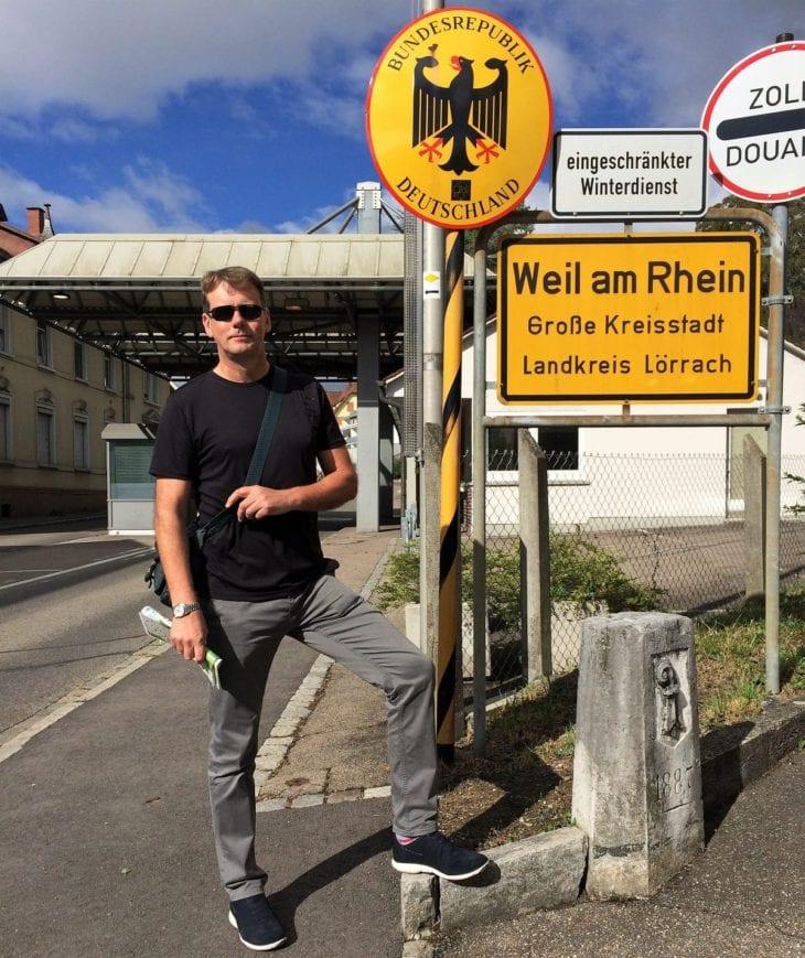 border crossing on rehberger-weg