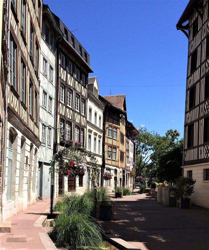 Rouen street